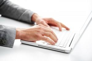 Comportamento indevido em redes sociais pode causar demissão
